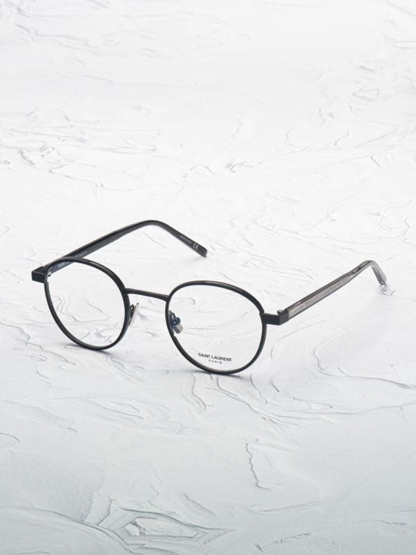 Lunette de vue Saint Laurent 125 noir inclinée